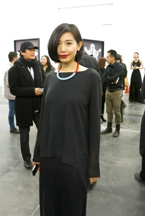The lovely Kong Lingnan, chic simplicity, as always.
