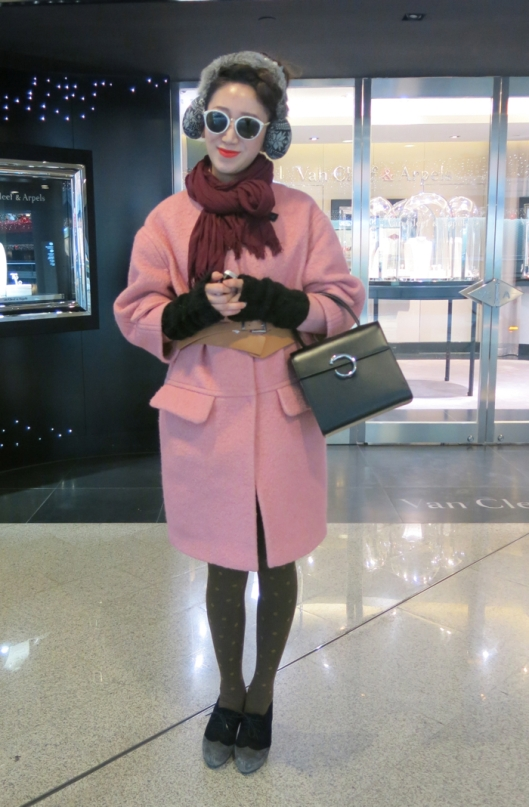 Lovely in Pink at the Park View Green Mall.