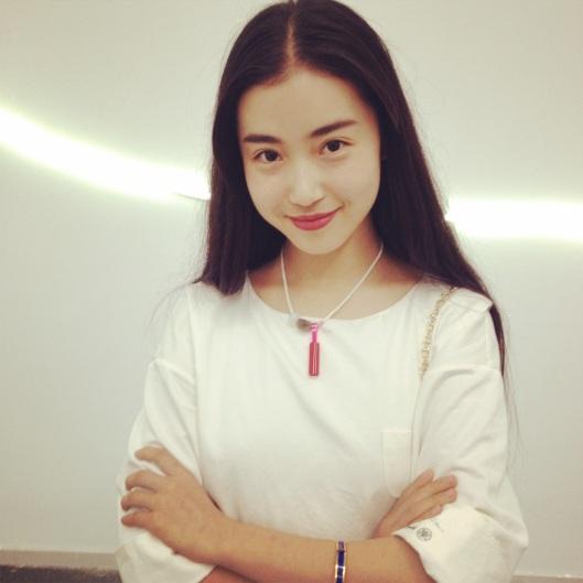 La belle Zhang Xin Yuan et son collier de Kong Ling Nan