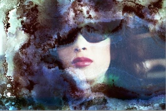 'Damaged Beauty' Linda Spierings (photos by Bénédicte Bro-Cassard)